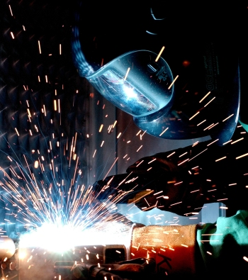 Image Credit: http://commons.wikimedia.org/wiki/File:GMAW.welding.af.ncs.jpg