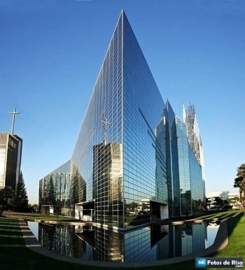 Image Credit: http://www.taringa.net/posts/imagenes/12339622/Catedrales-mas-asombrosas.html